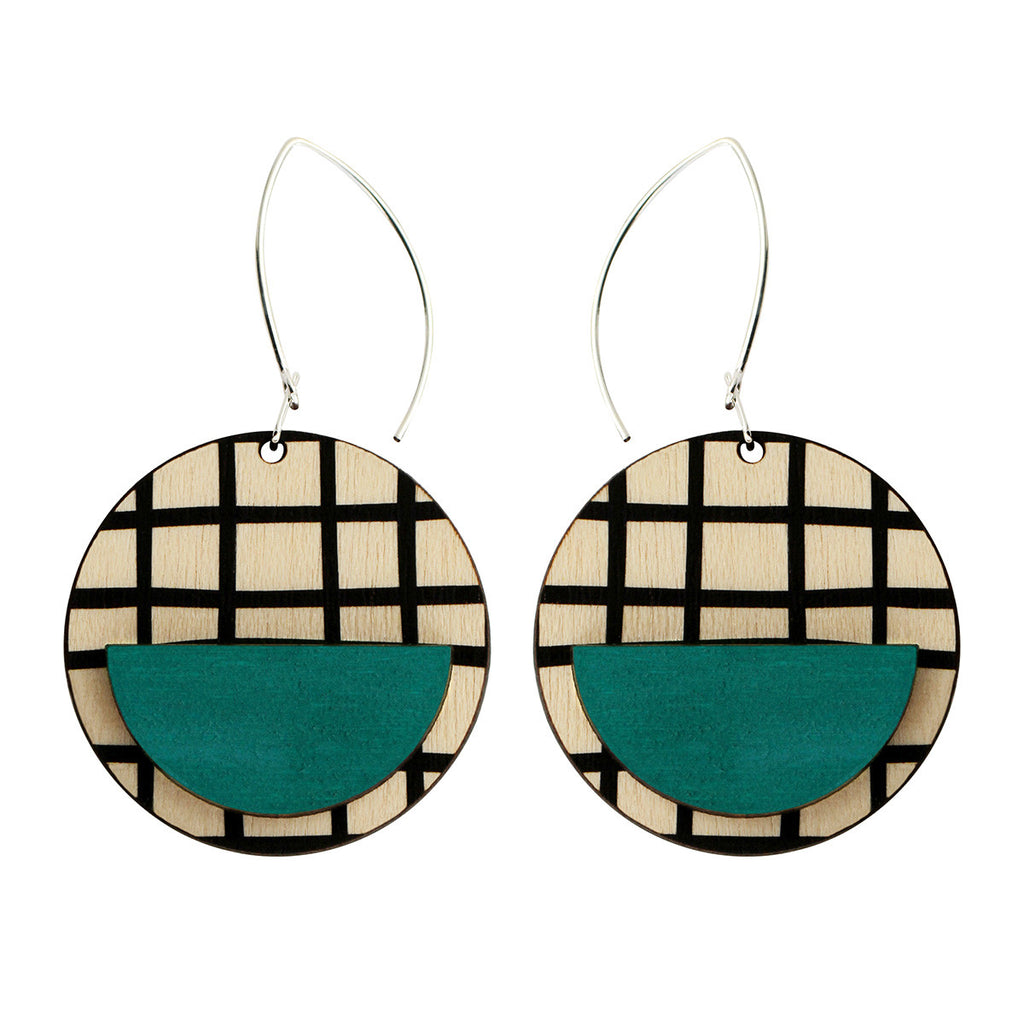 Drop line earrings with green