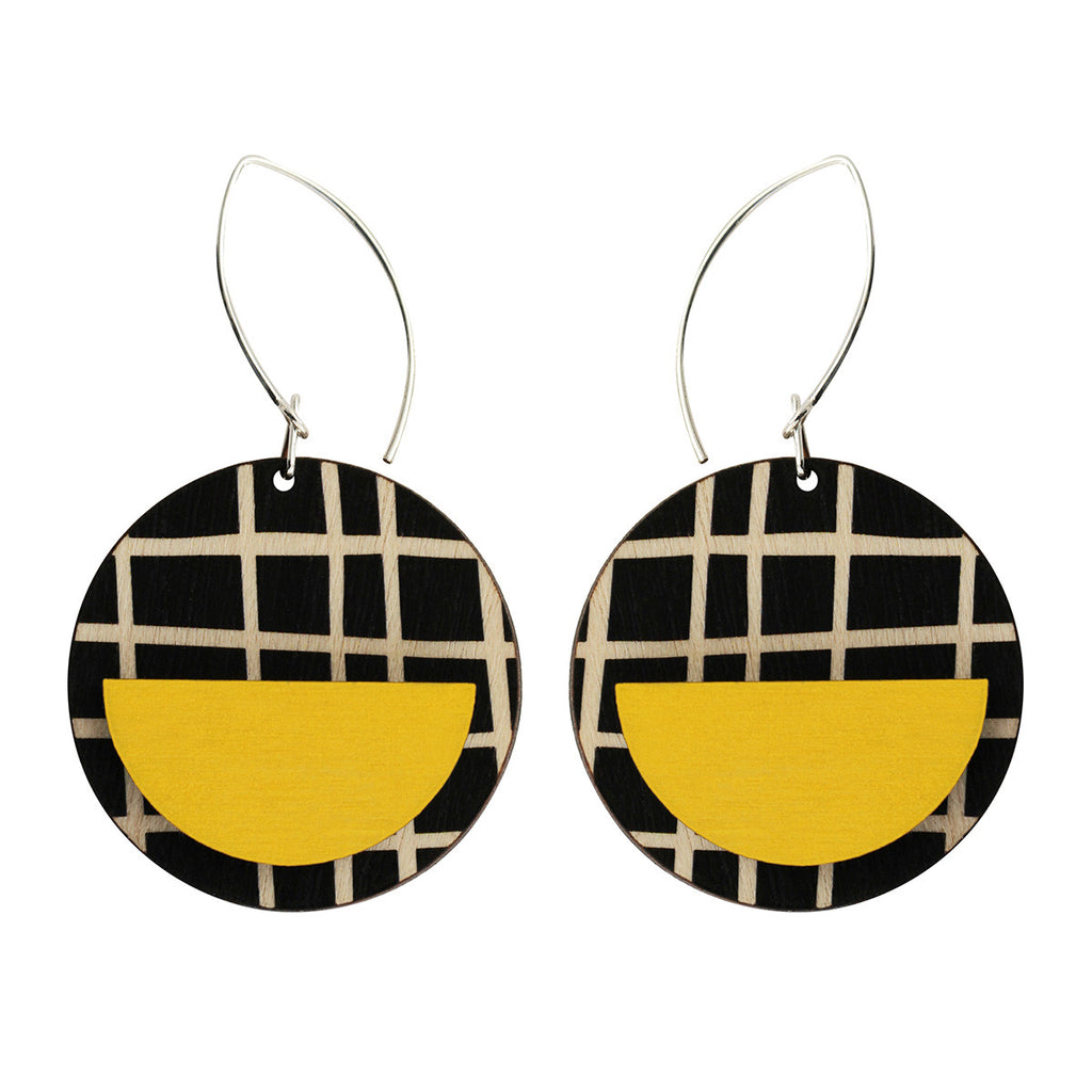 Drop line earrings with yellow