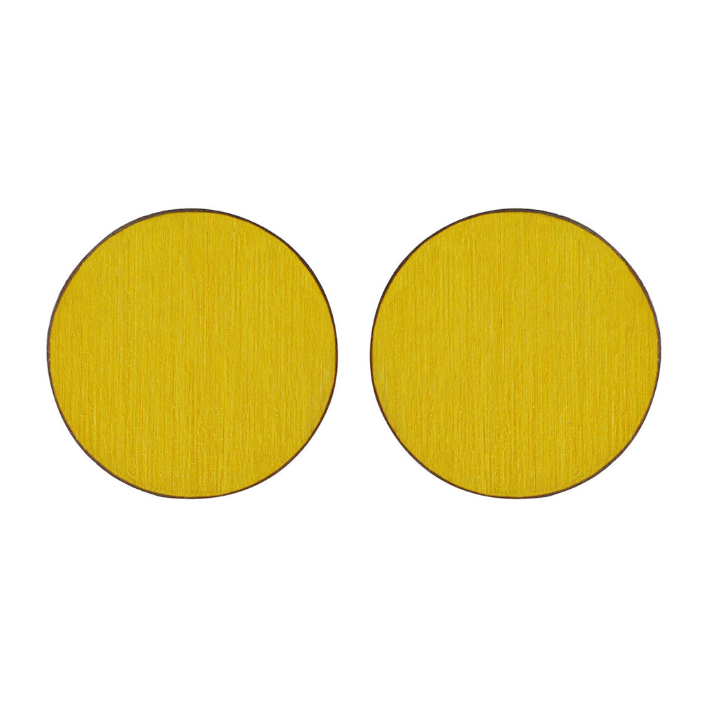 Circle studs in yellow