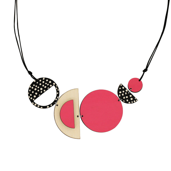 Circles and spots necklace in pink