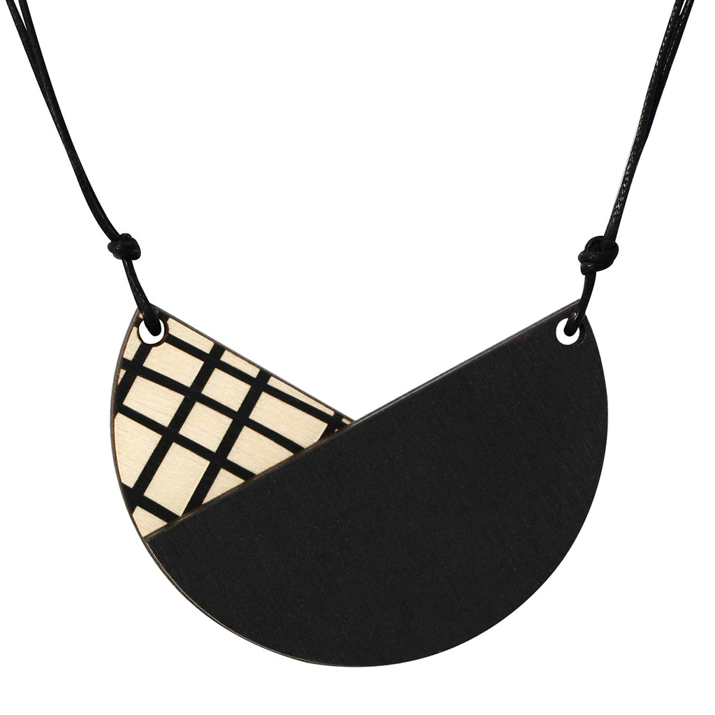 Tulip necklace with crosses in black