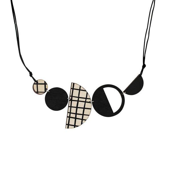Geo necklace in black
