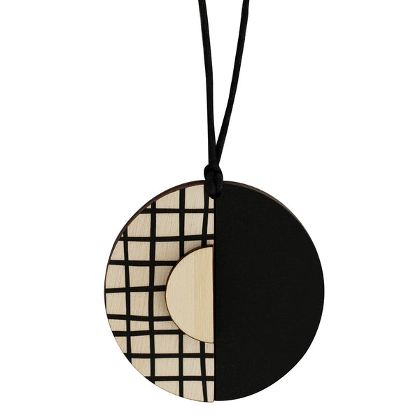 Circle lines pendant with black