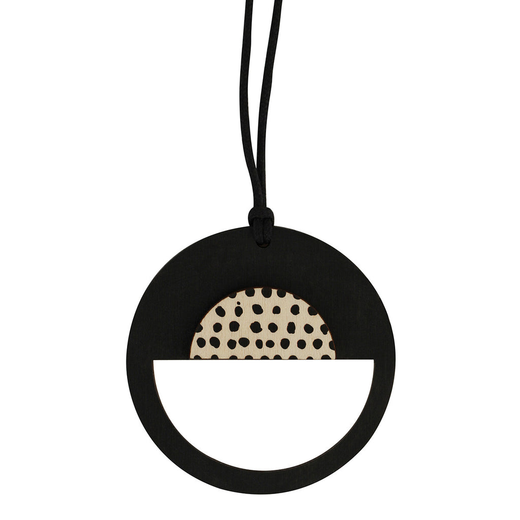Spotted black pendant