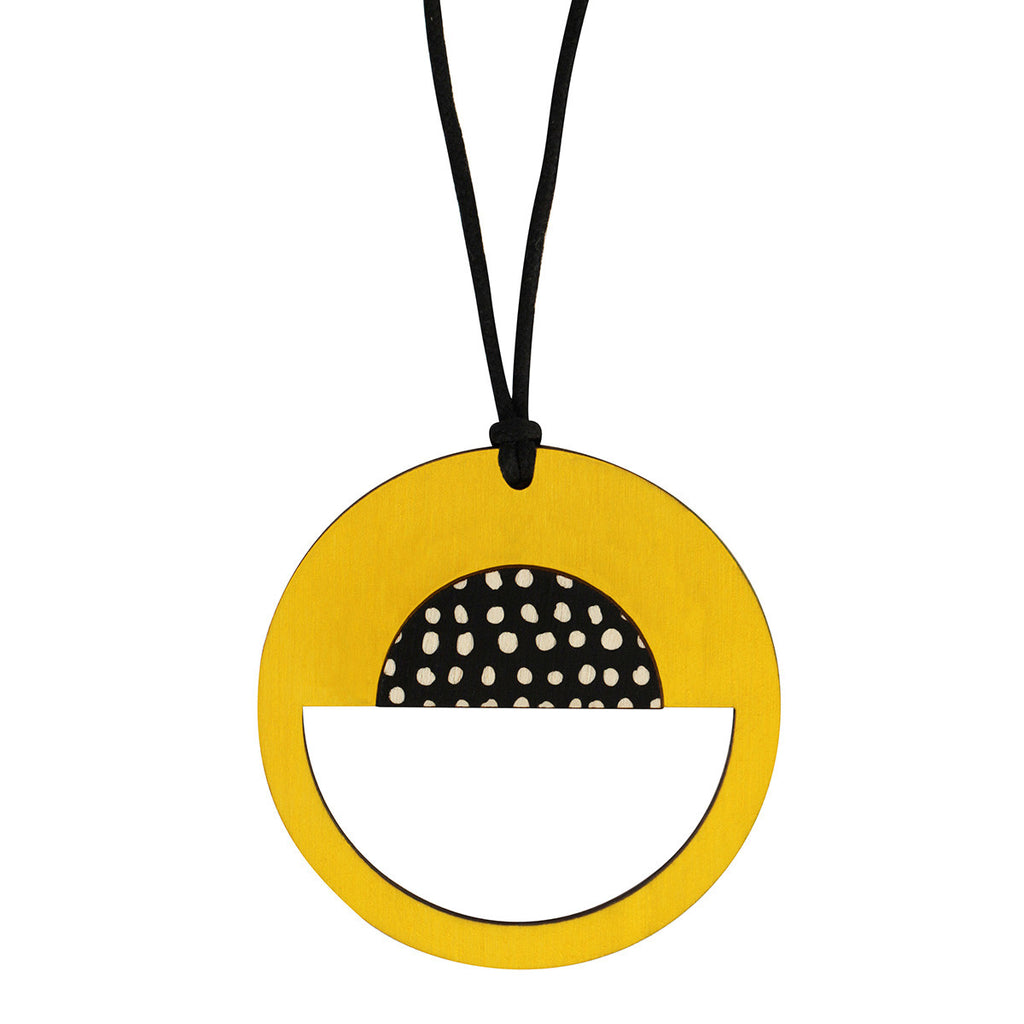 Spotted yellow pendant