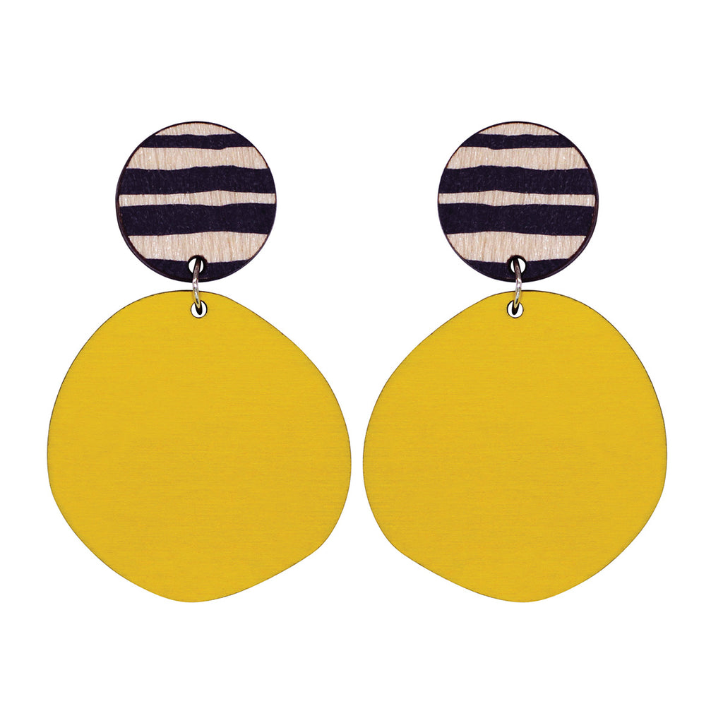 Retro earrings in yellow with thick lines