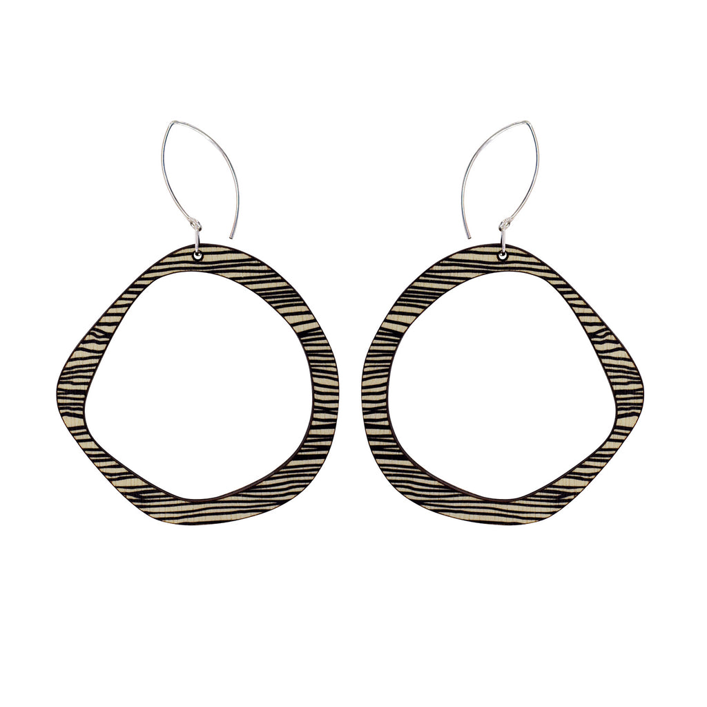 Retro earrings in thin black stripe