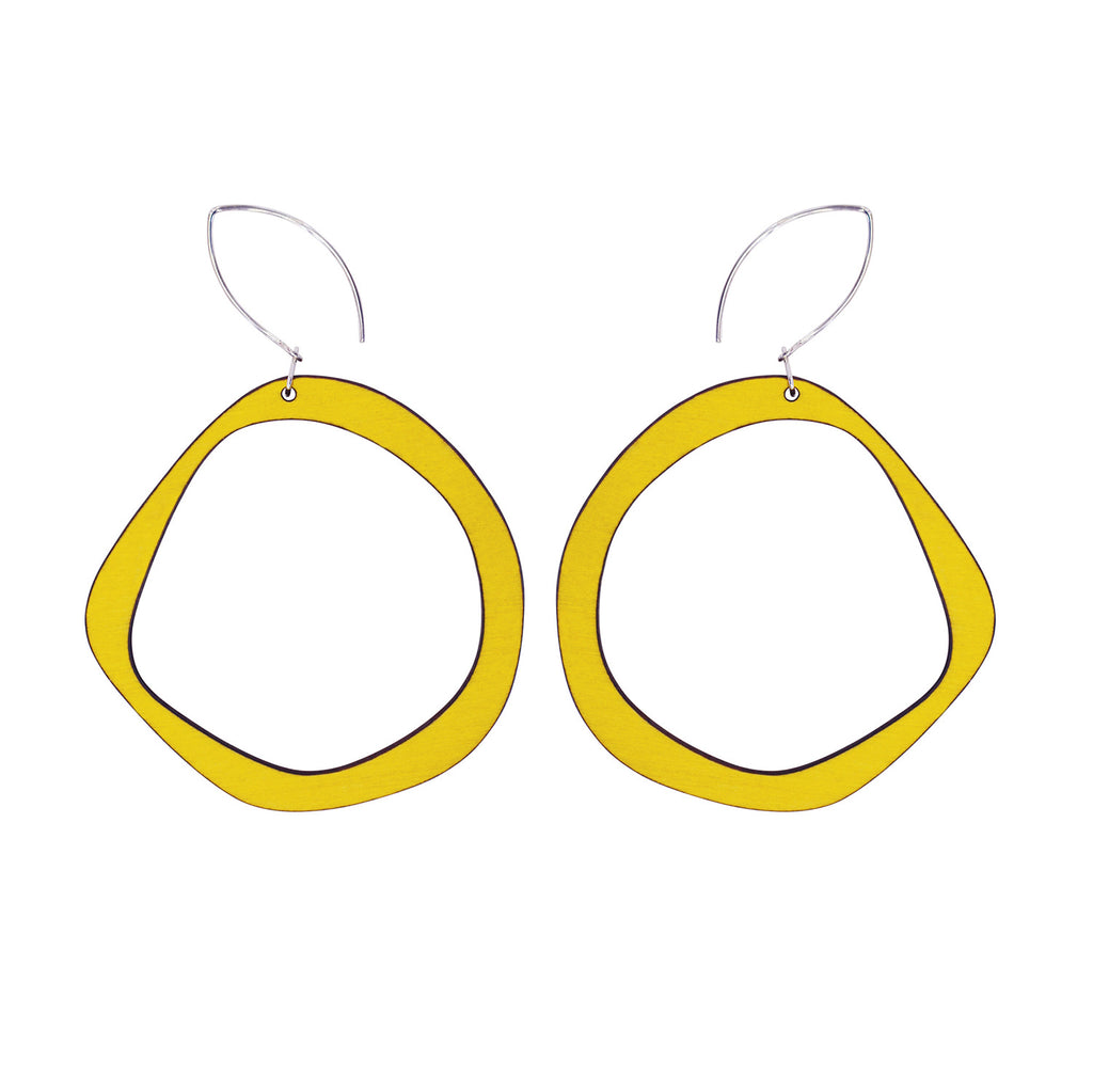 Retro hoop earrings in yellow