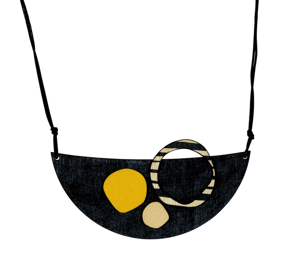 Retro necklace in black