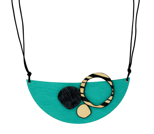 Retro necklace in aqua