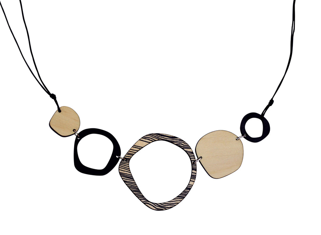 Retro 5 piece statement wooden necklace in black