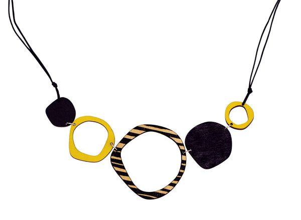Retro 5 piece necklace in yellow