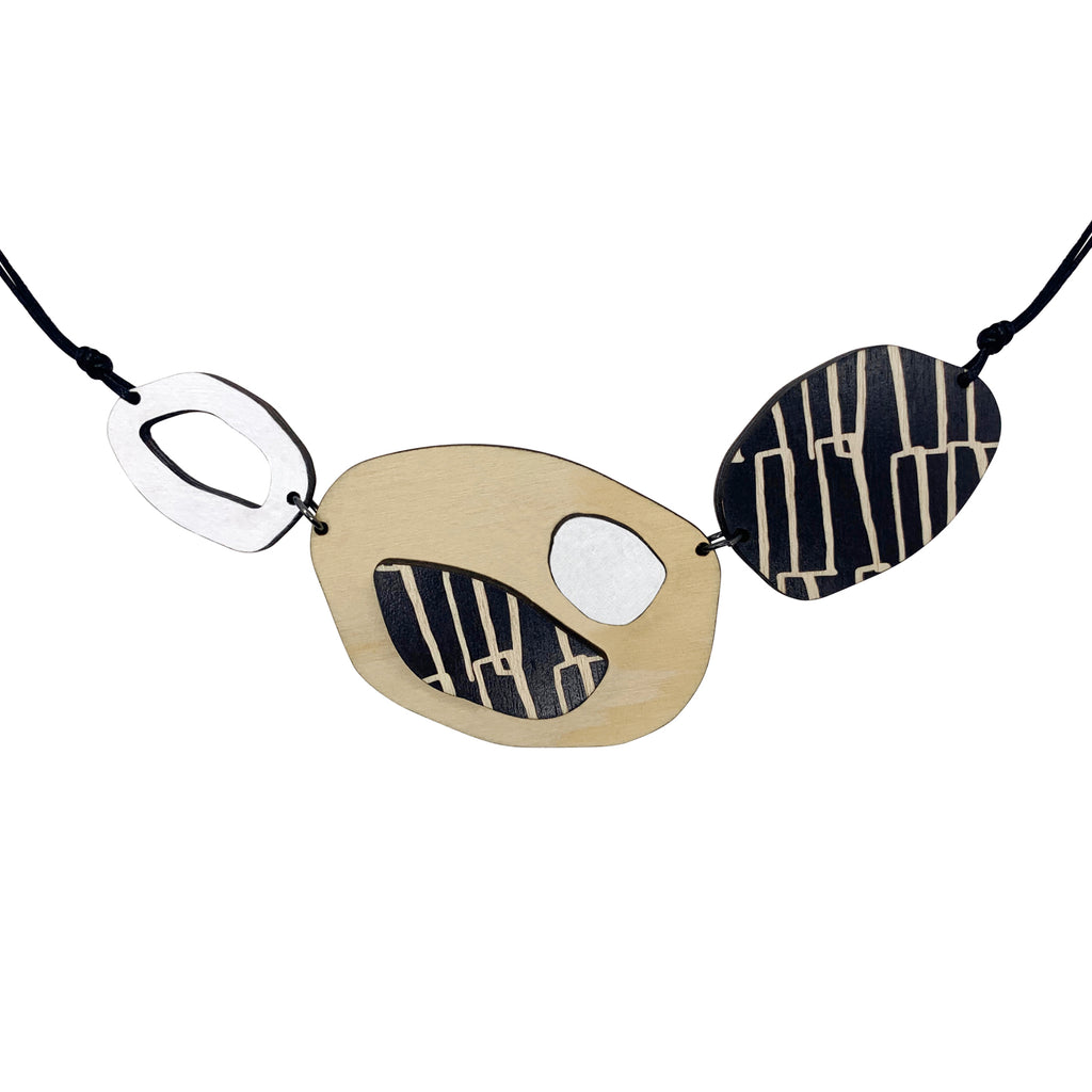 City pattern necklace in white