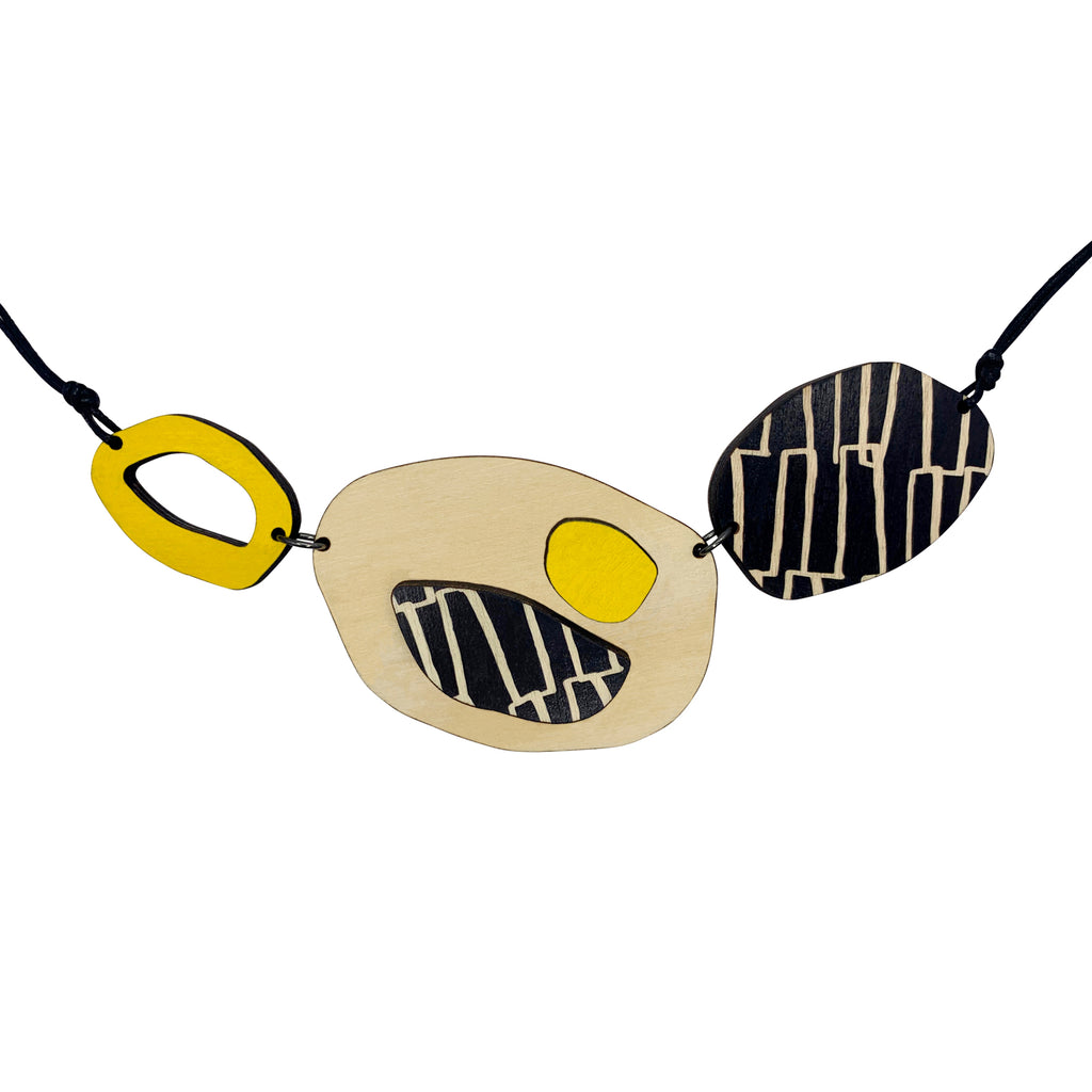 City pattern necklace in yellow