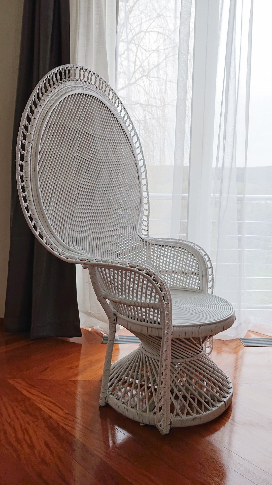 YARA peacock chair