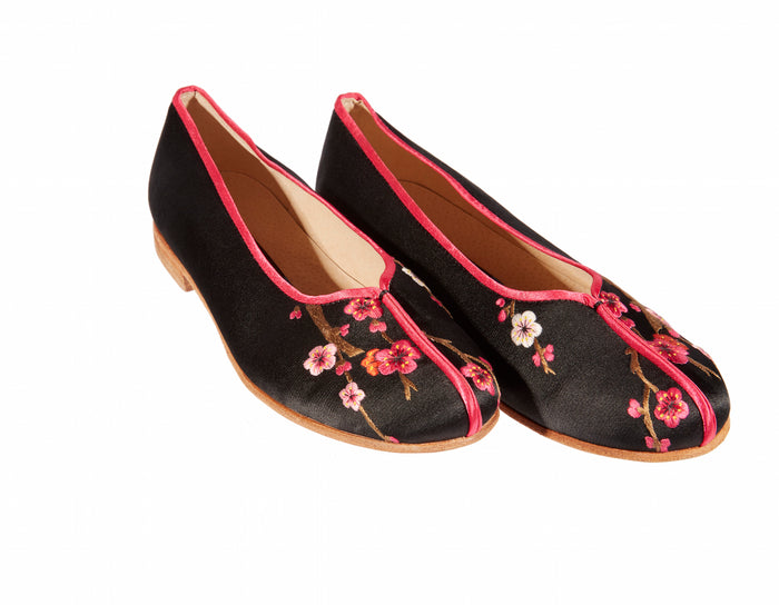 Plum Blossom Shoes - Embroidered Silk