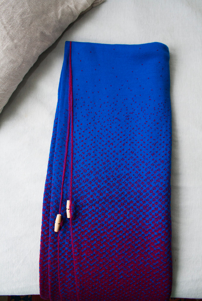 Sleeve Blanket - Blue & Fuchsia