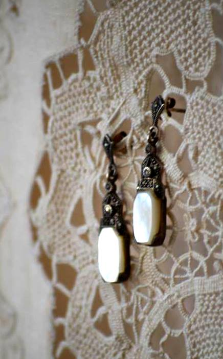 Charm of Ladyness Antique Earrings