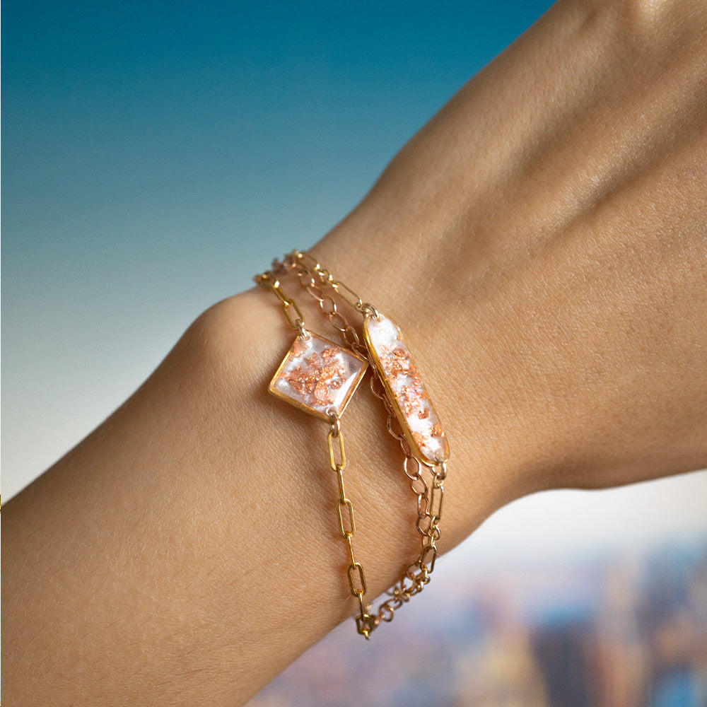 Load image into Gallery viewer, Pearl and Rose Bracelet