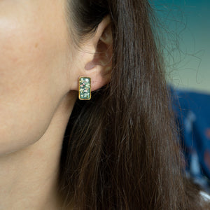 Load image into Gallery viewer, Green flower earrings