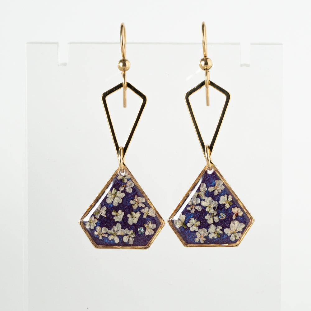 Load image into Gallery viewer, Dangling Flower Earrings
