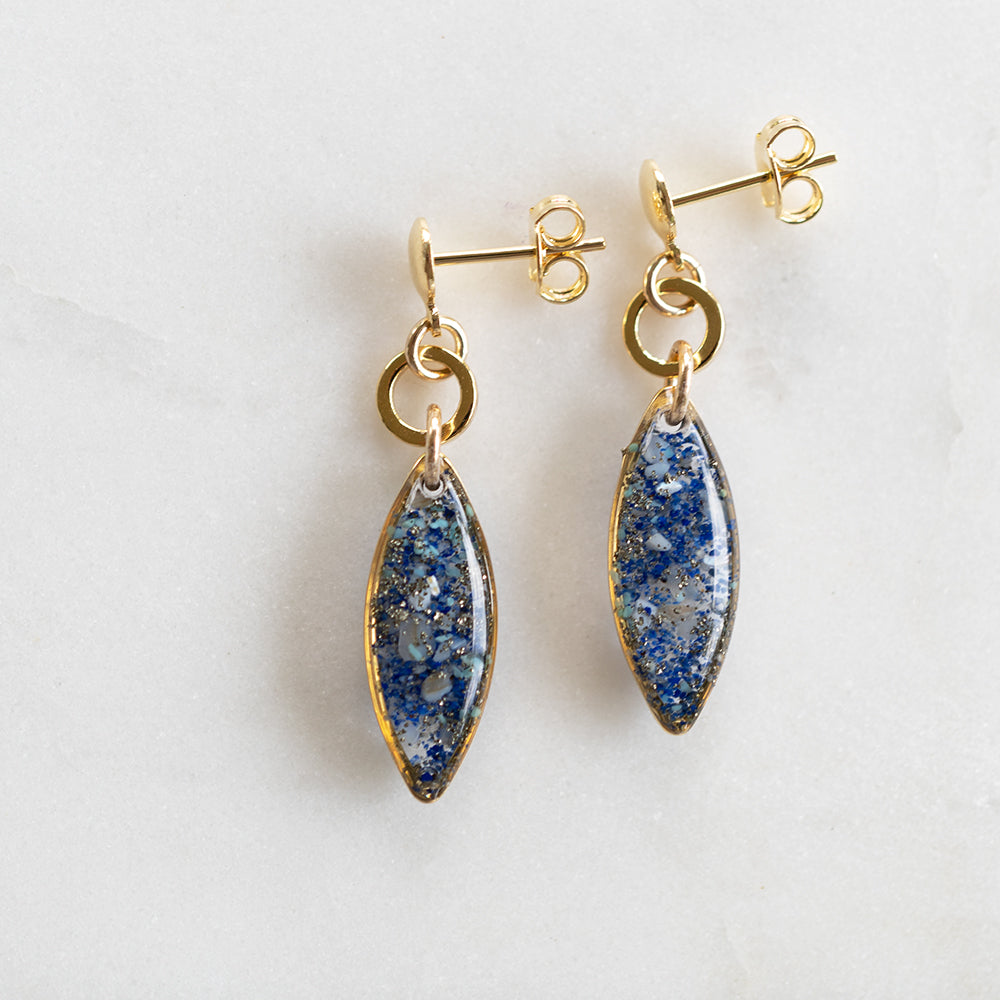Load image into Gallery viewer, Dangling Oval Ocean mix Earrings