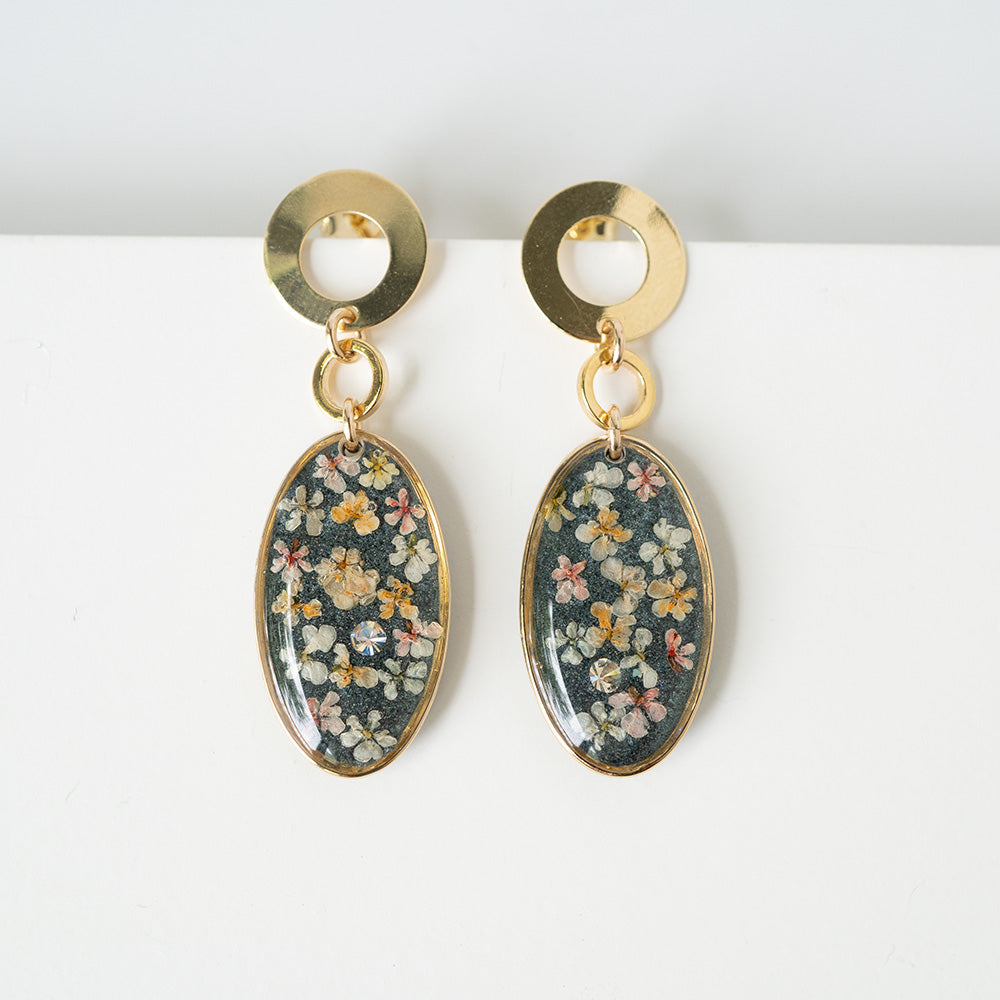 Load image into Gallery viewer, Dangling Oval Flower Earrings