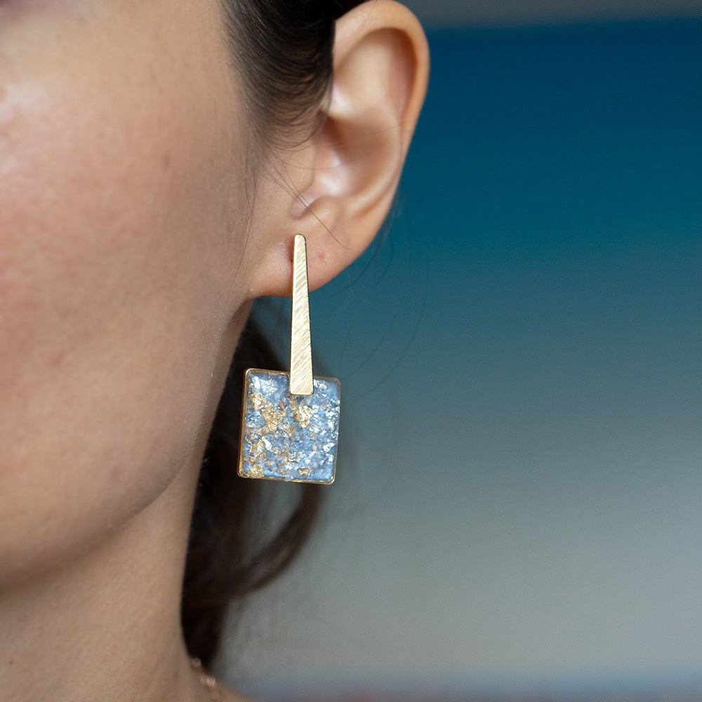 Load image into Gallery viewer, Dangling Square Blue Earrings