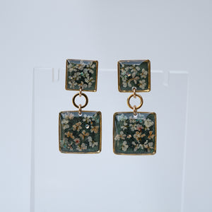 Dangling Square Flower Earrings