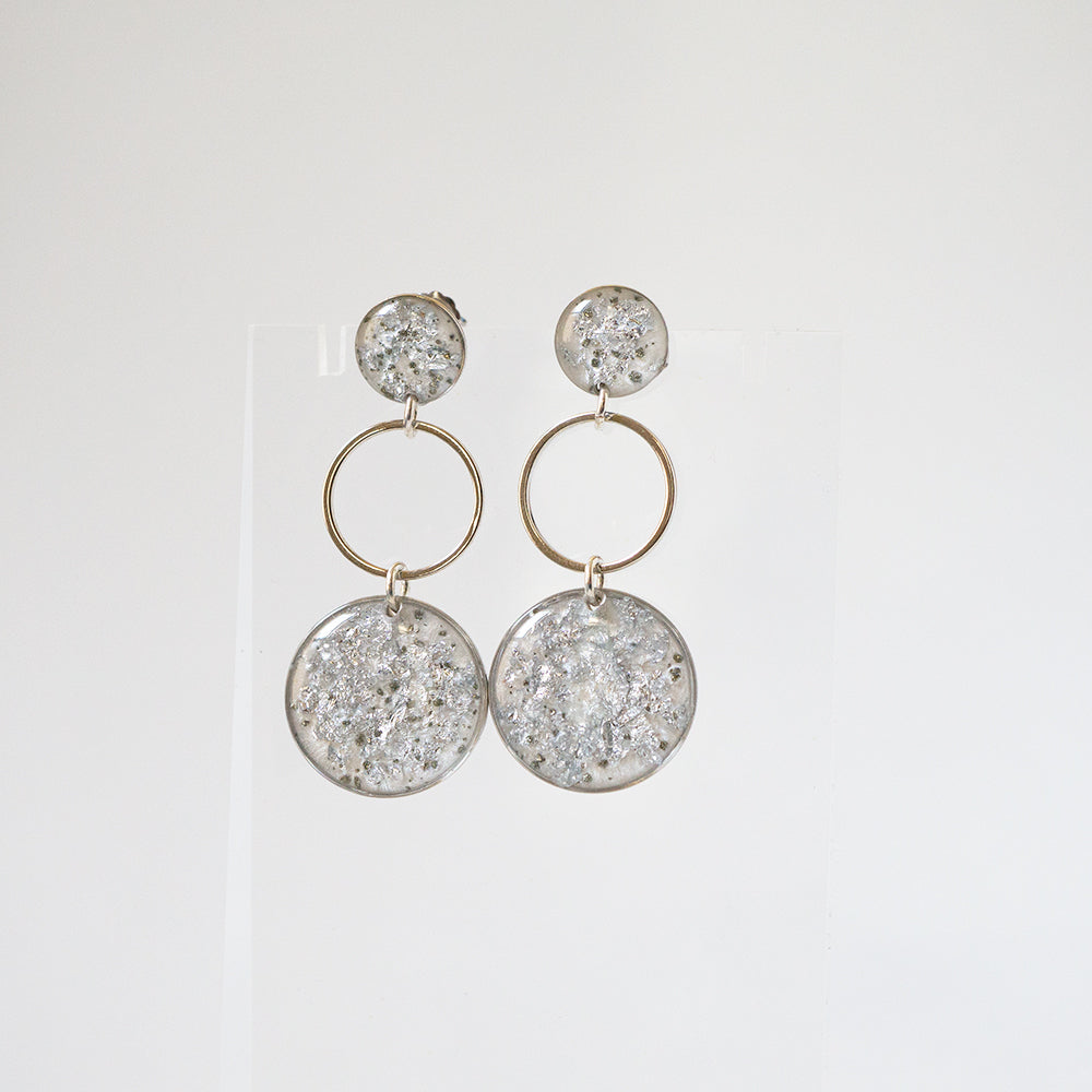Load image into Gallery viewer, Dangling Circles Earrings