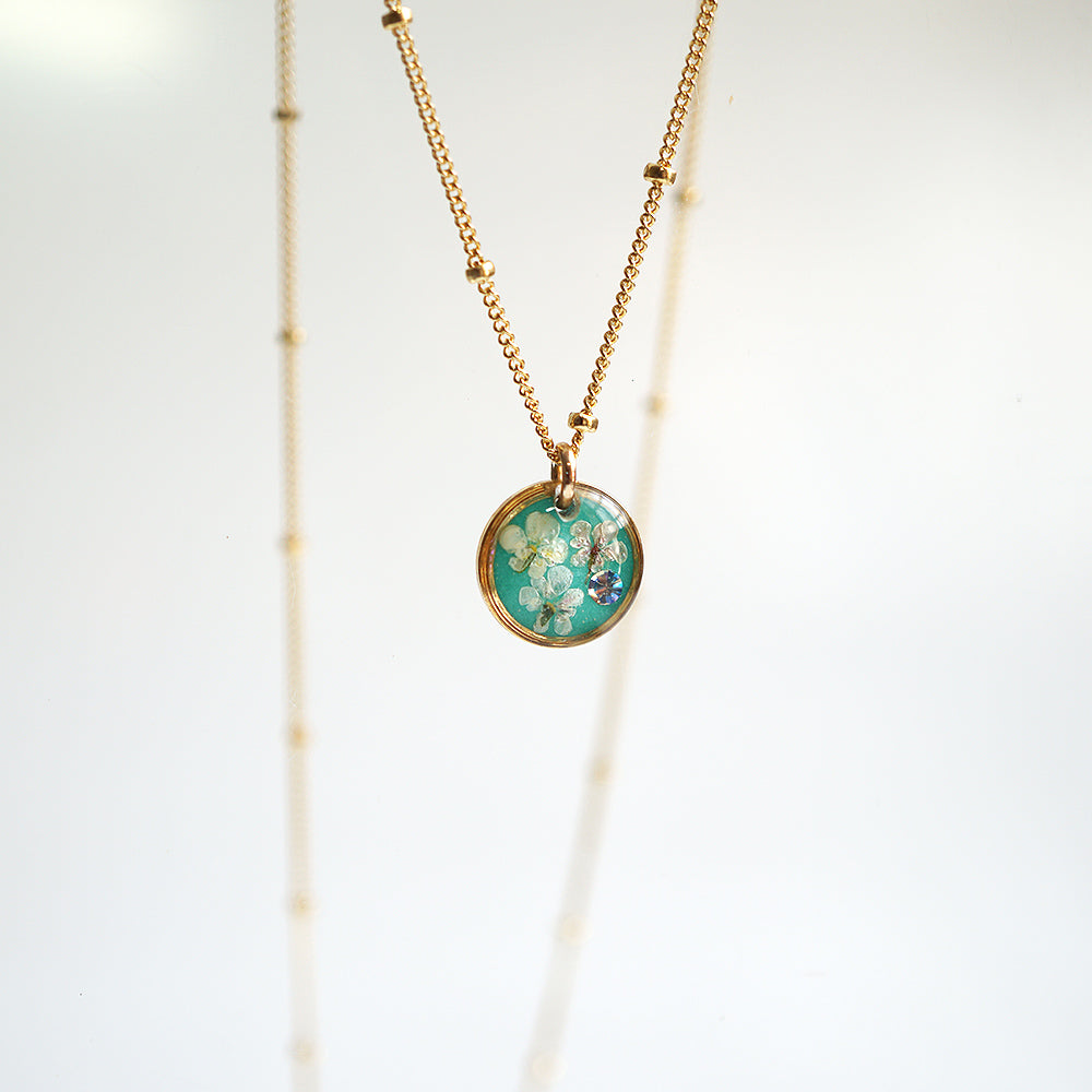 Green  Flower Round Necklace