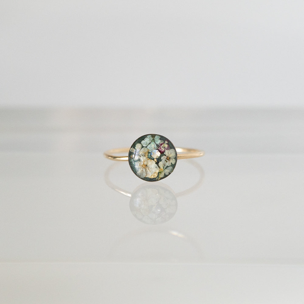 Load image into Gallery viewer, Green Flower Ring