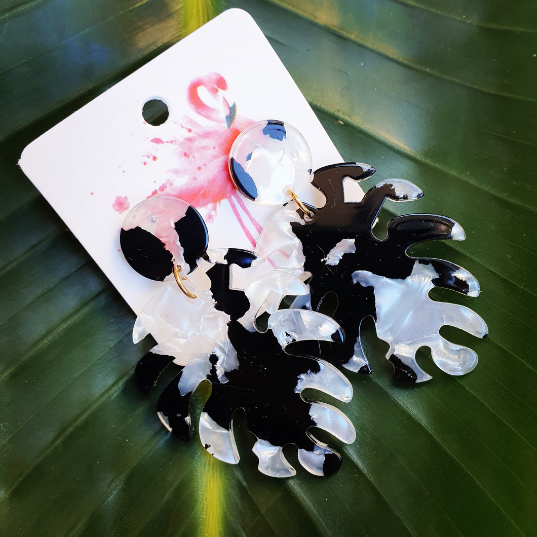 Monstera Leaves - Black + Pearl
