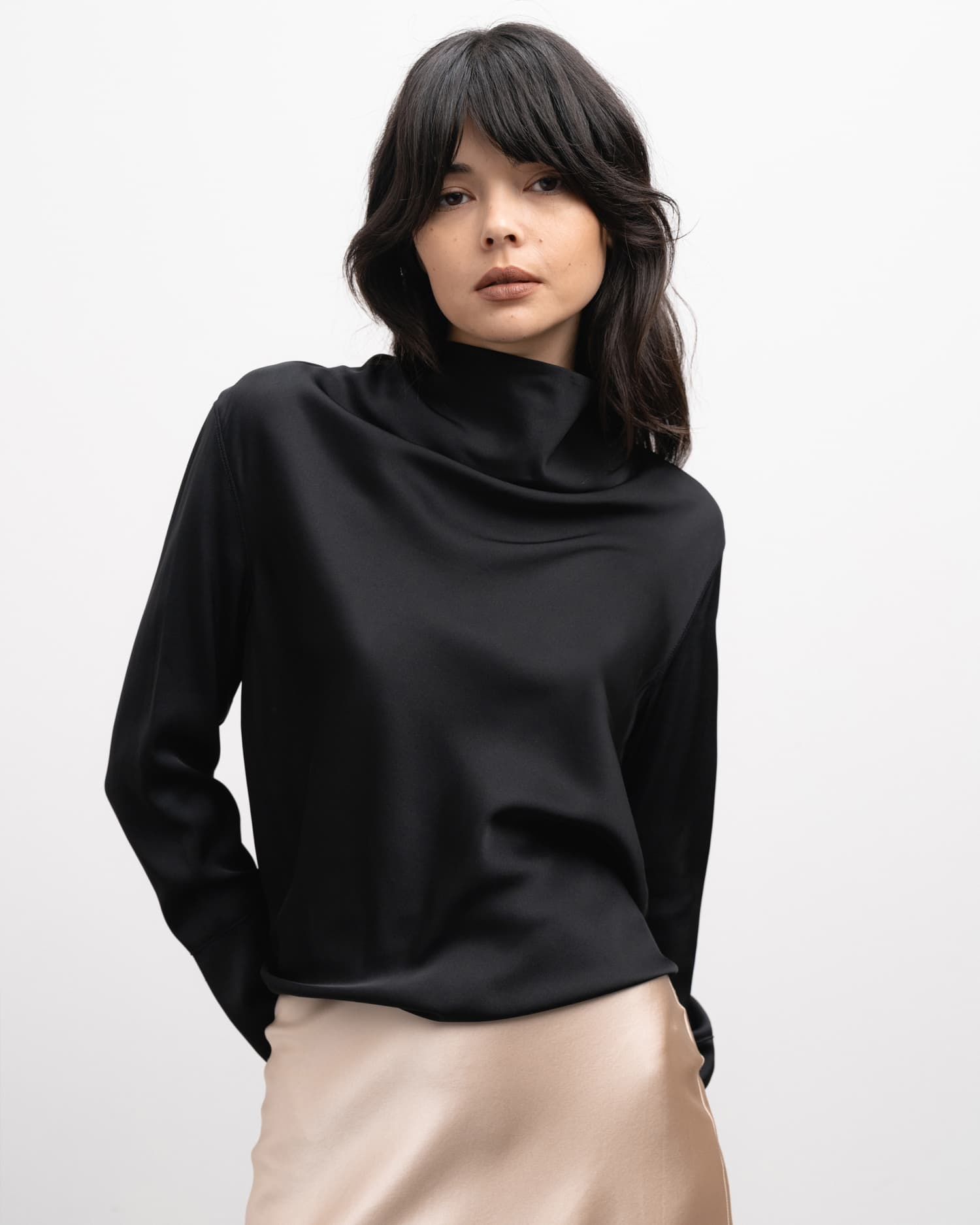 Ayumi blouse black from the side