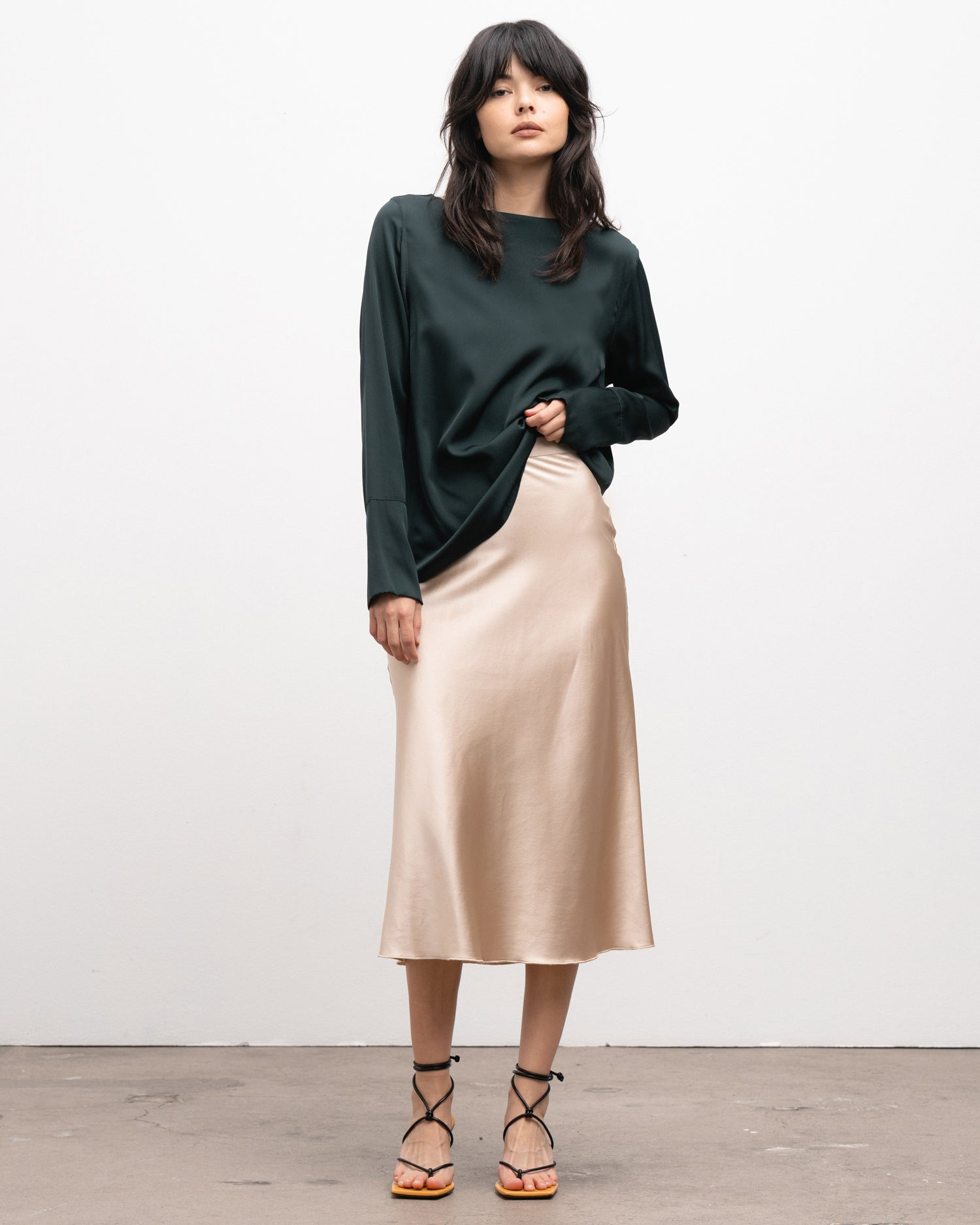 Ahlvar Gallery Hana satin skirt powder