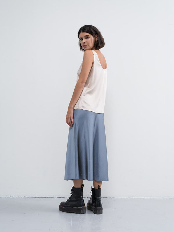 Hana satin skirt sky