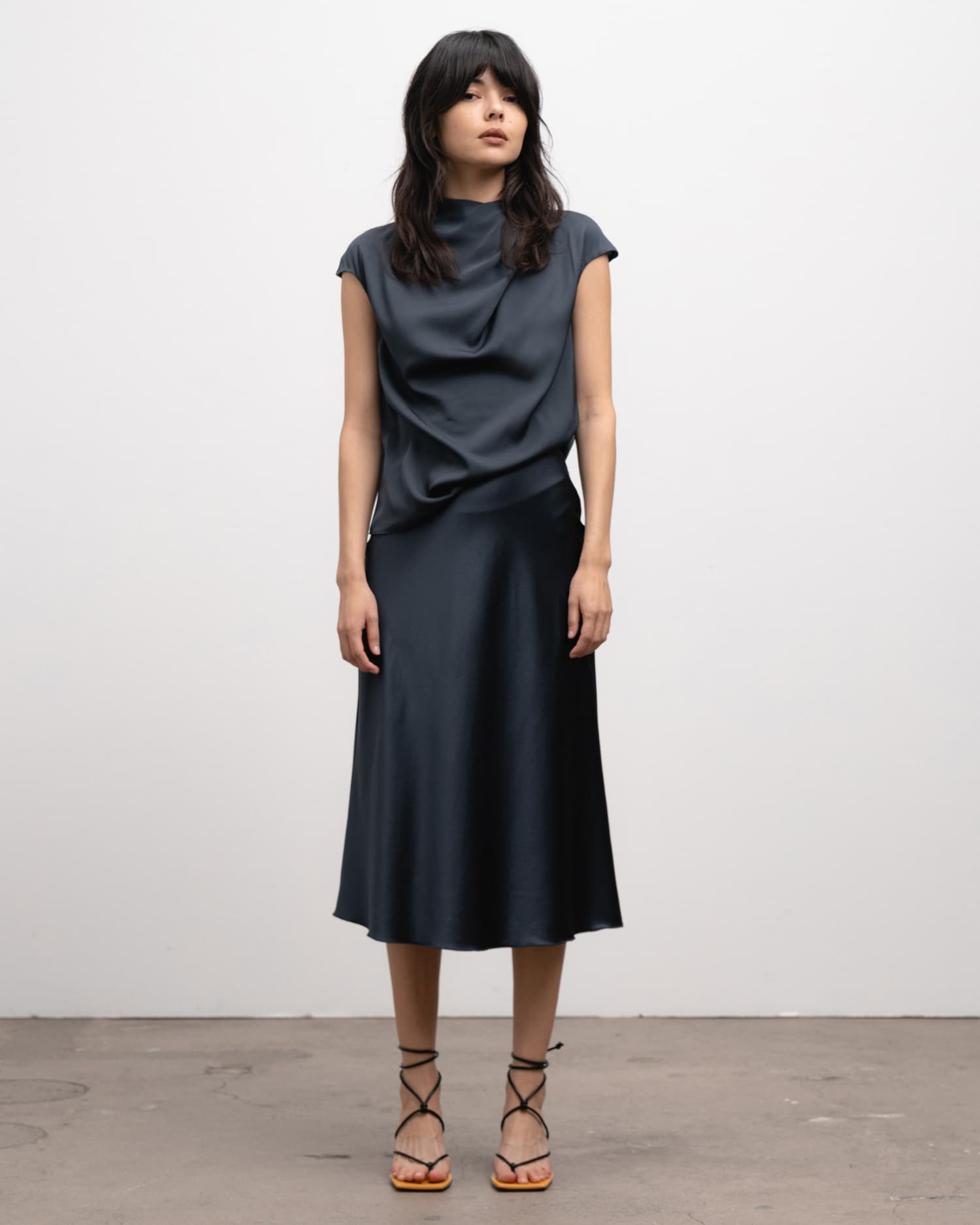 Ahlvar Gallery Lima top blue grey