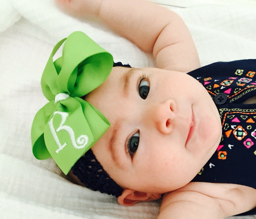 Monogrammed Hair Bow, Mono Custom Boutique, Basic Lime Bow, Lime Green Hair Bow, Embroidered letter, Customized Clip, Clippe Initial, Medium
