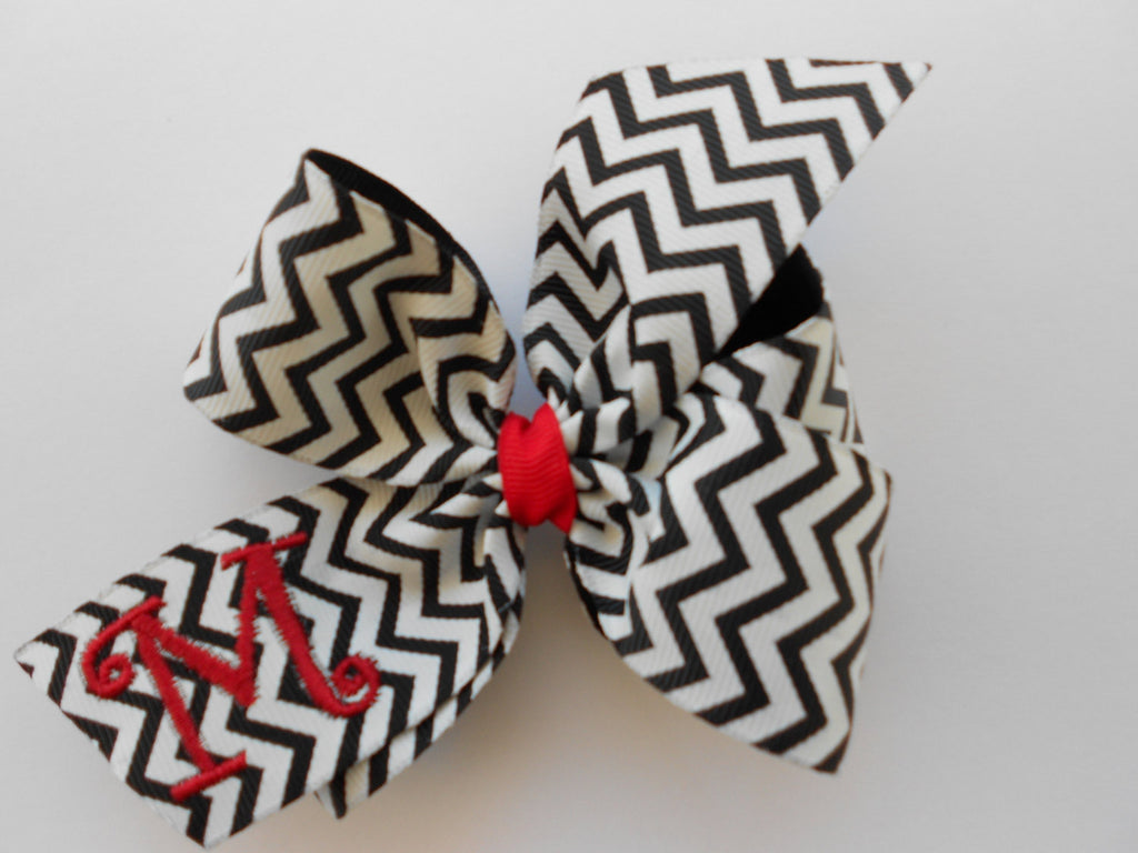 Chevron Initial Bow