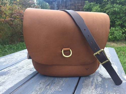 Cross body saddle bag