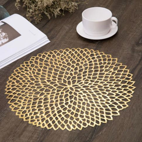 Threaded placemat