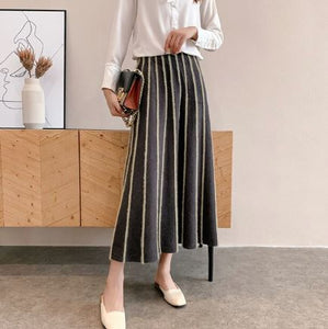 Textured stripe knit skirt