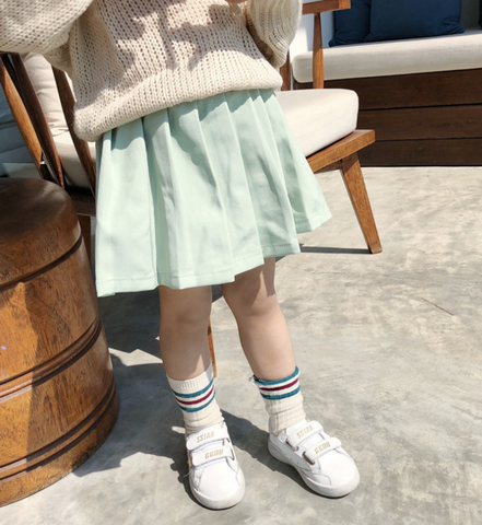 Pastel color pleated skirt