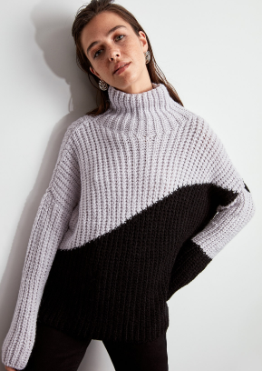 Chunky colorblock turtleneck