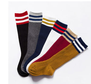 Stripe trim socks