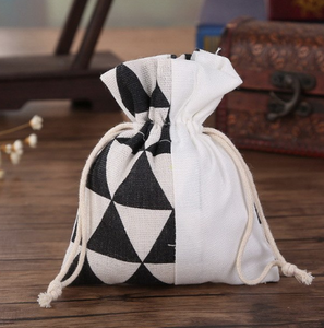 Black & white bag 48 pc