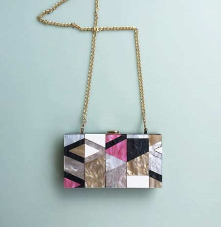 Colored geometric clutch