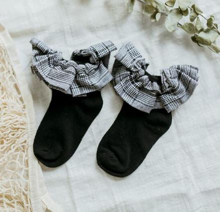Plaid ruffle socks