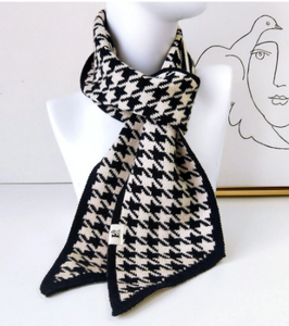 Knit houndstooth scarf