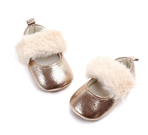 Fur detail metallic shoes